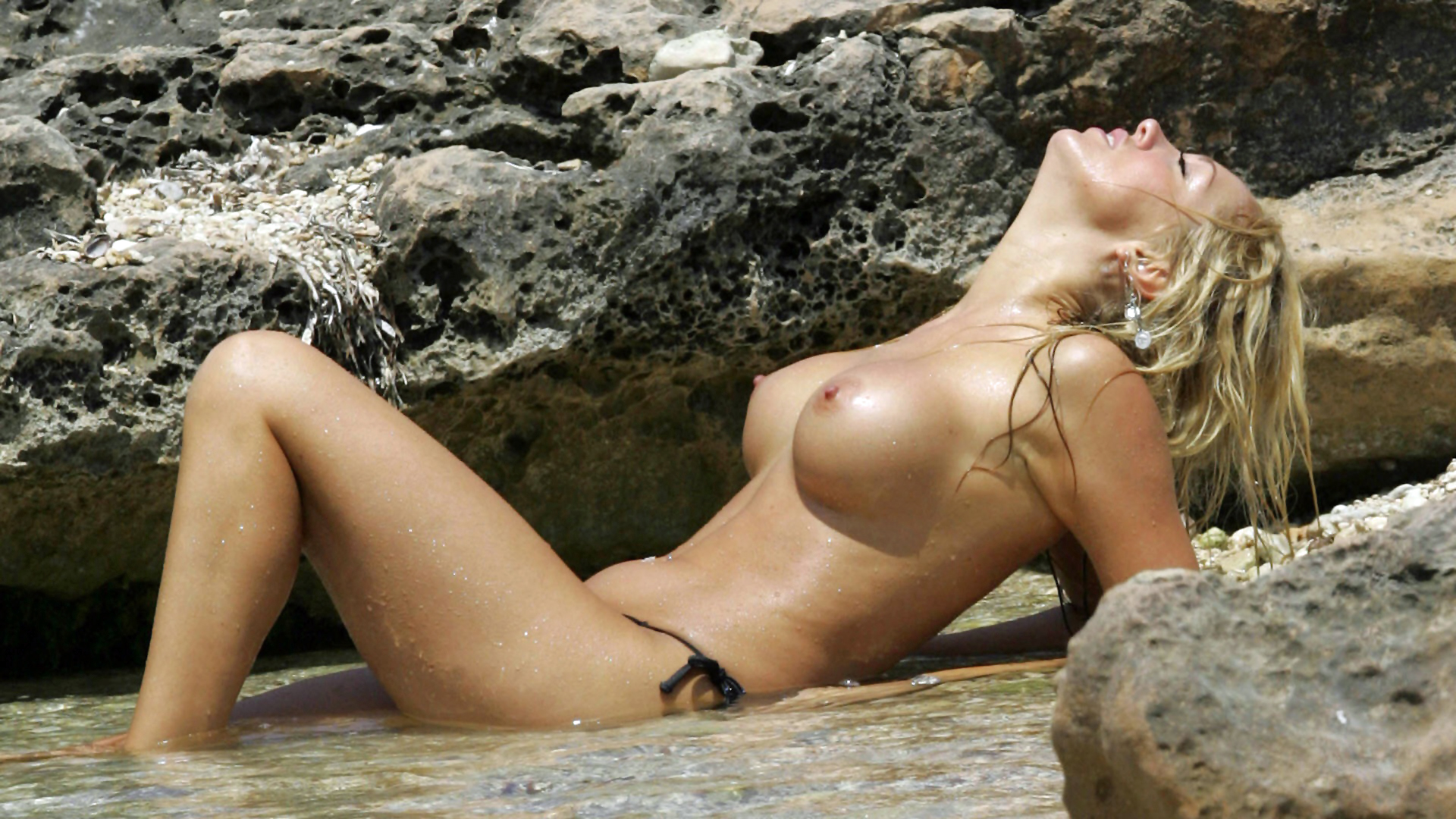 hottest nude chicks hd